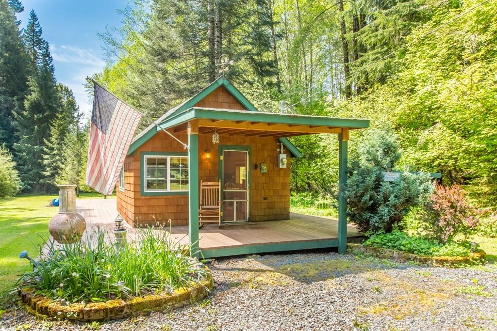 Pleasant Tiny Homes Under 400 Square Feet Home Interior And Landscaping Pimpapssignezvosmurscom