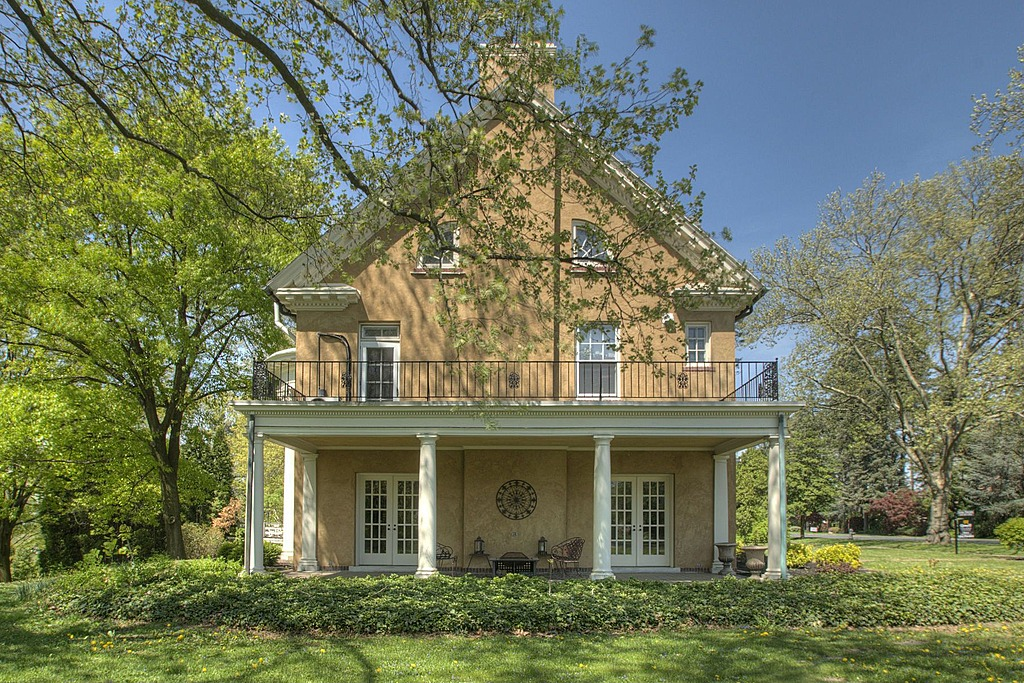 Update Taylor Swift S Childhood Home In Pa Sells For 700 000