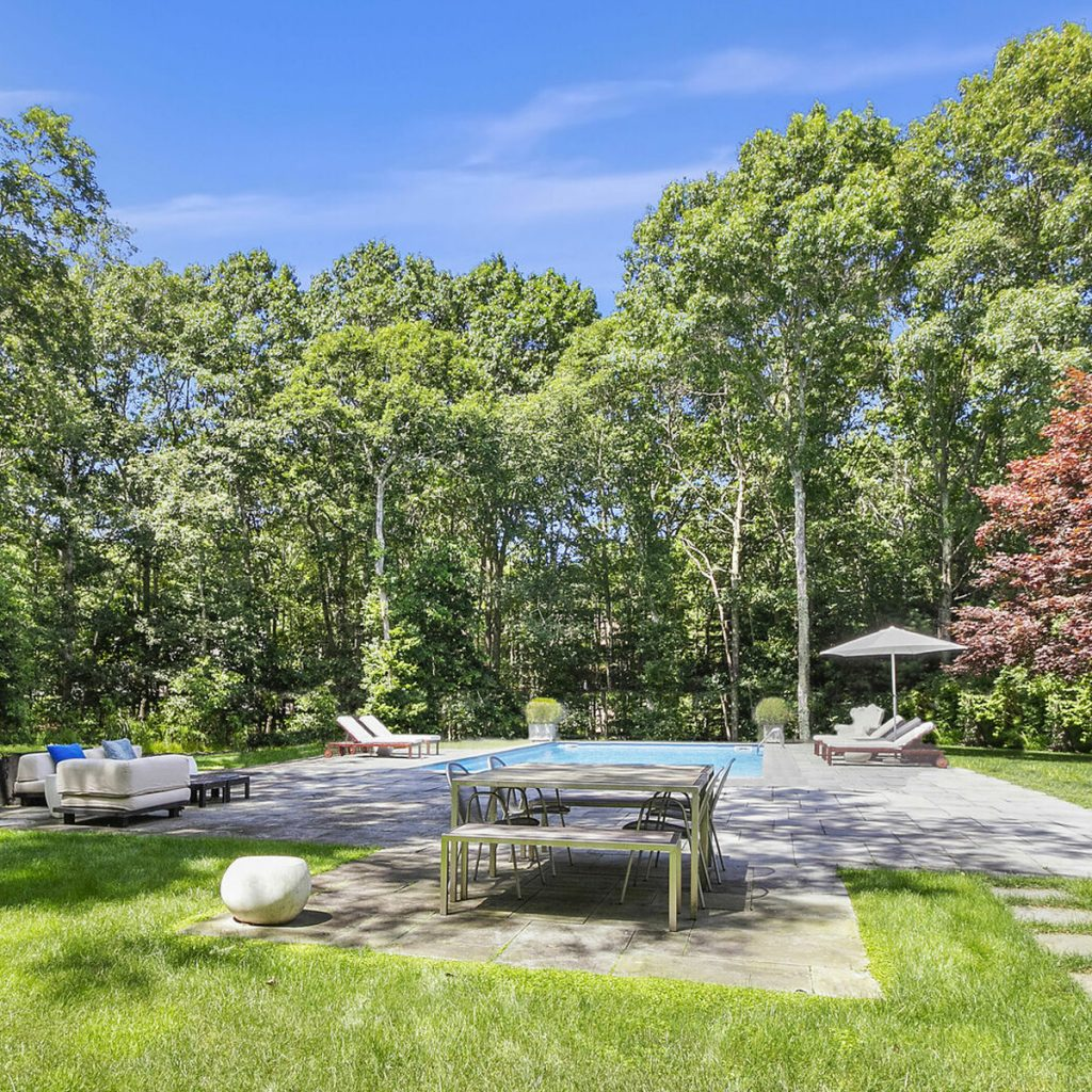 Image of 15 Stirrup Lane Outdoor Pool