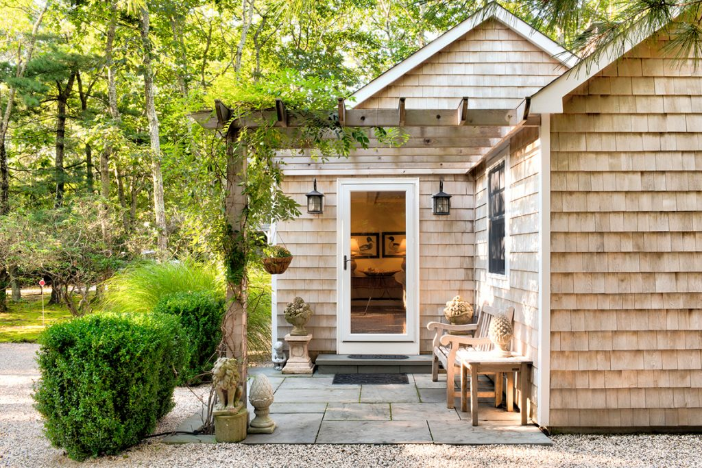 image of sag harbor cottage