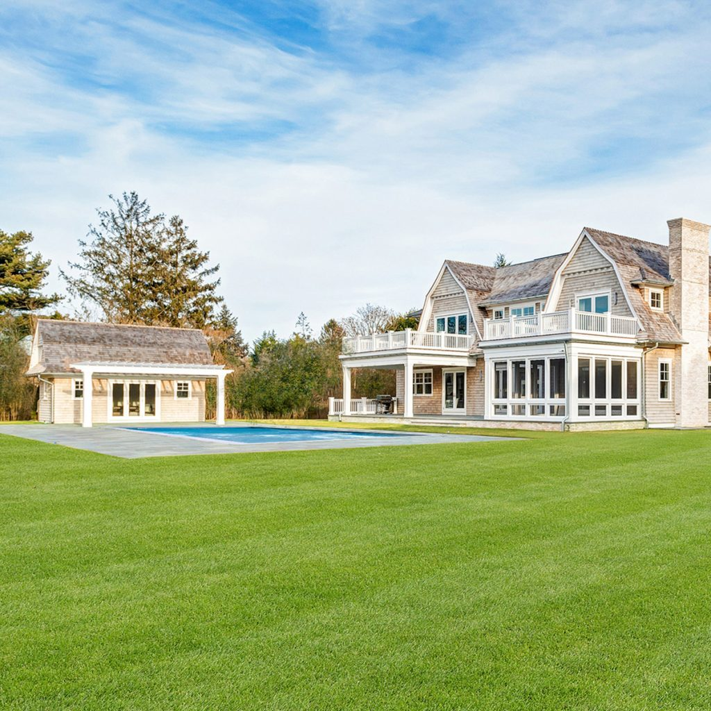 image of anthony scaramucci house exterior