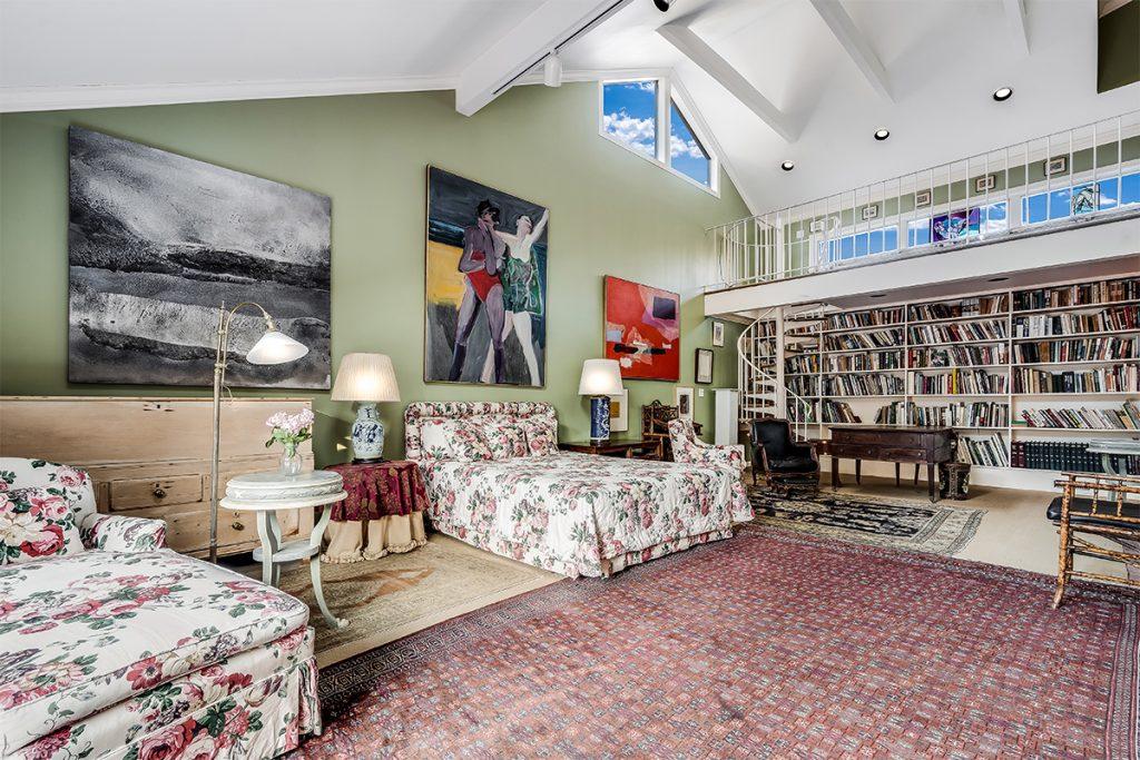 image of judith leiber bedroom