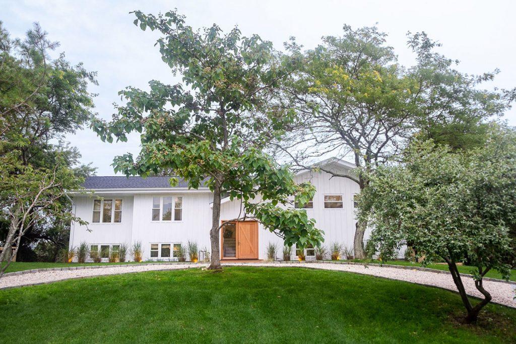 image of robert mckinley montauk house exterior