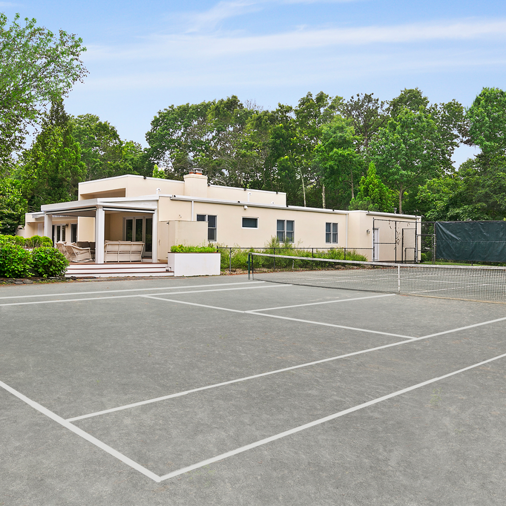 A photo of the tennis court at 10 Whippoorwill Ct