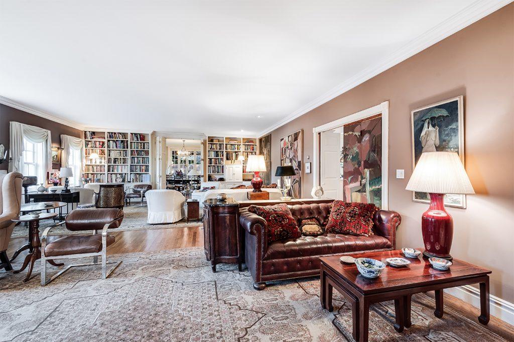 image of judith leiber house living room