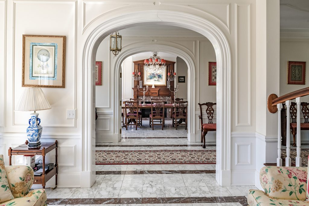image of east hampton white house