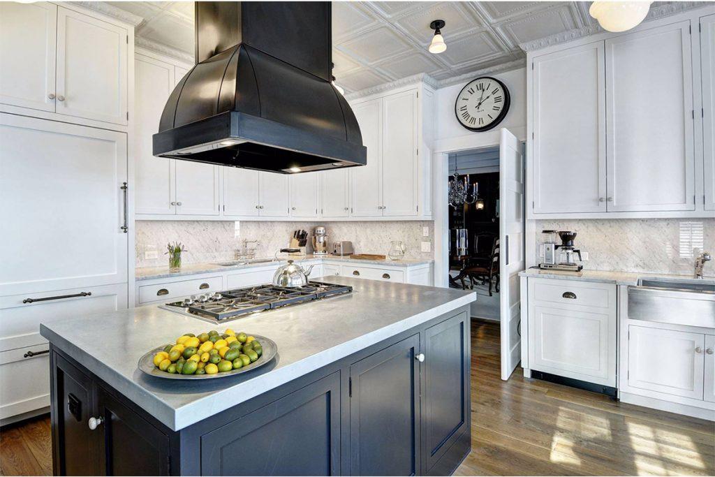 image of hamptons house goals kitchen