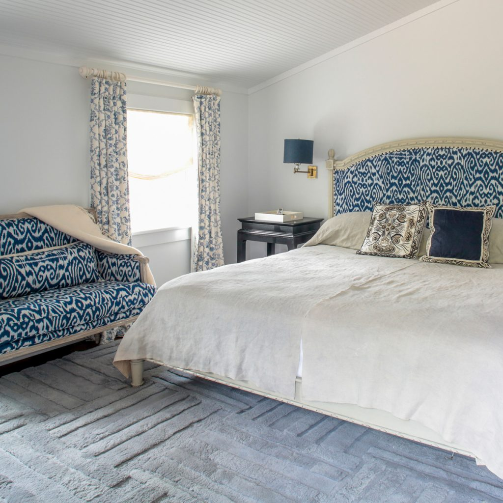 image of chris cuomo southampton master bedroom