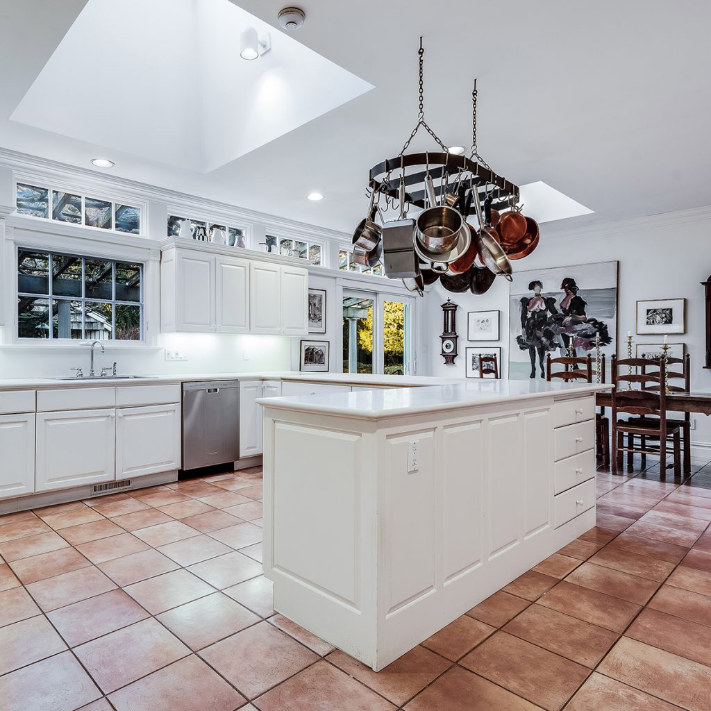 image of judith leiber house kitchen