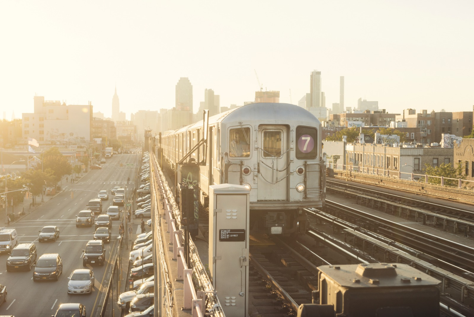 7 train connects queens to downtown
