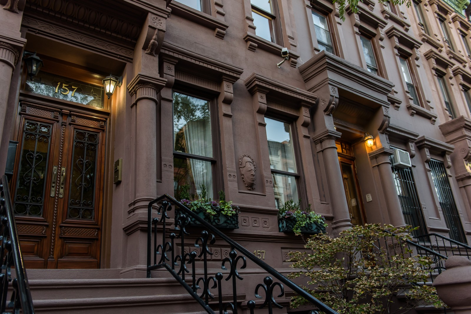 You Think You Want a Brownstone House? Need to Read Advice ...
