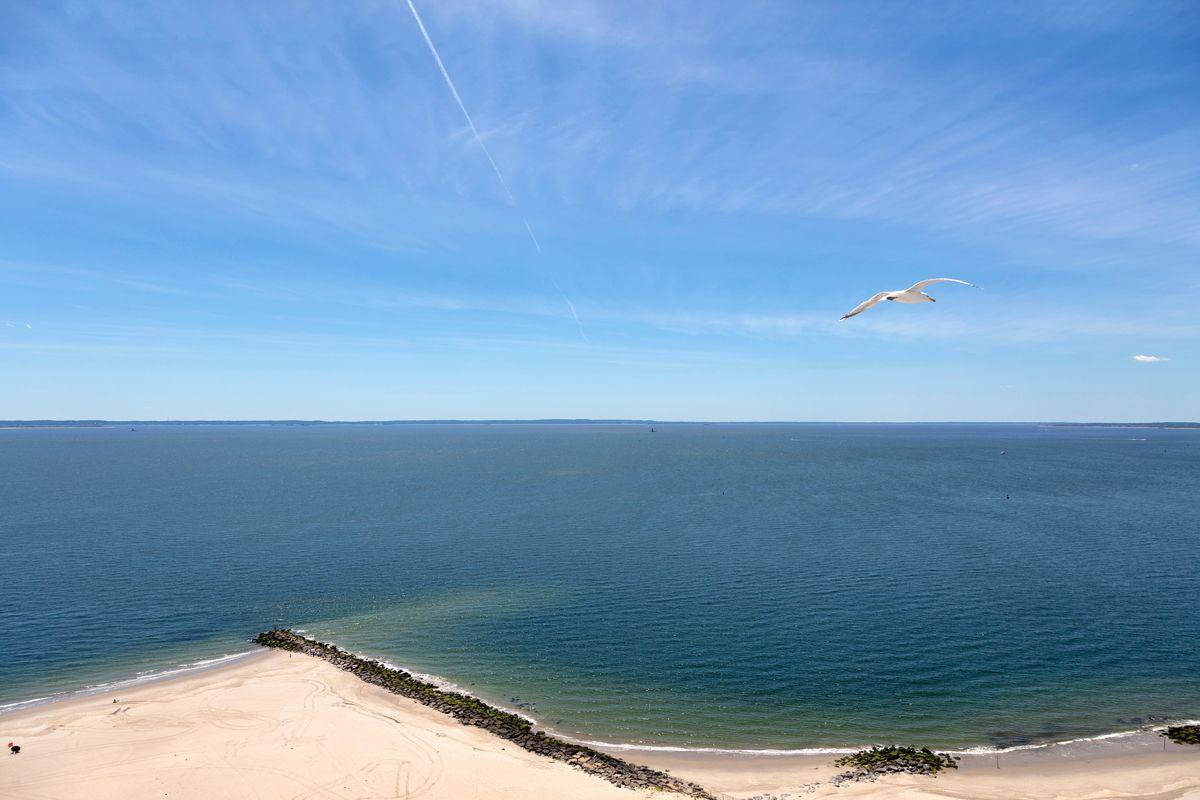1 Ocean drive in coney island overlooking the ocean