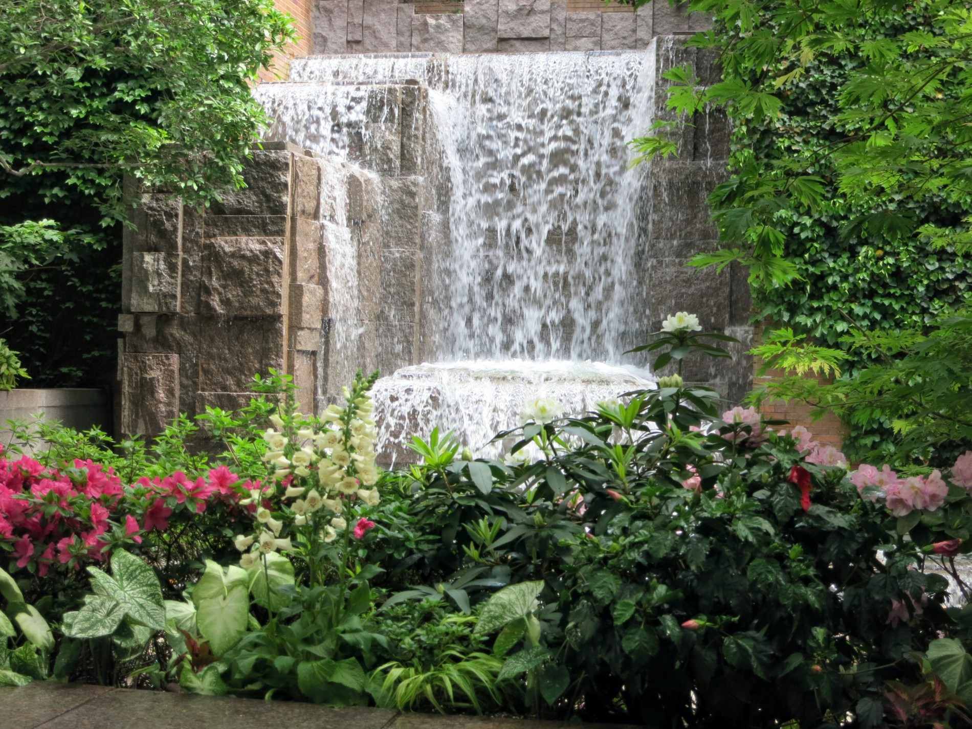best gardens in nyc greenacre park in Midtown East