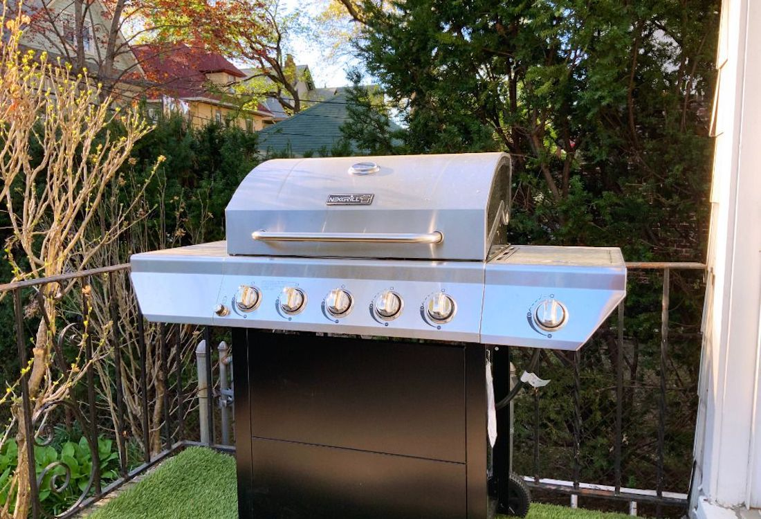 Nyc Grilling Rules For Apartments Houses And Parks Streeteasy
