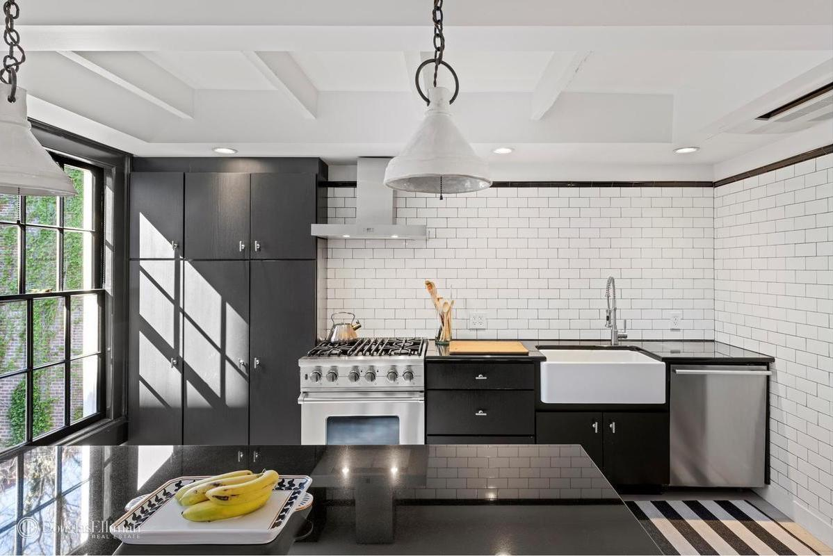 Subway Tile Isn T Going Away But Its Uses Are Changing Streeteasy