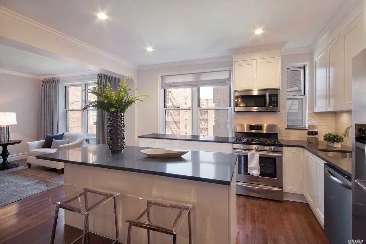NYC apartments for $ 900k - jackson highs