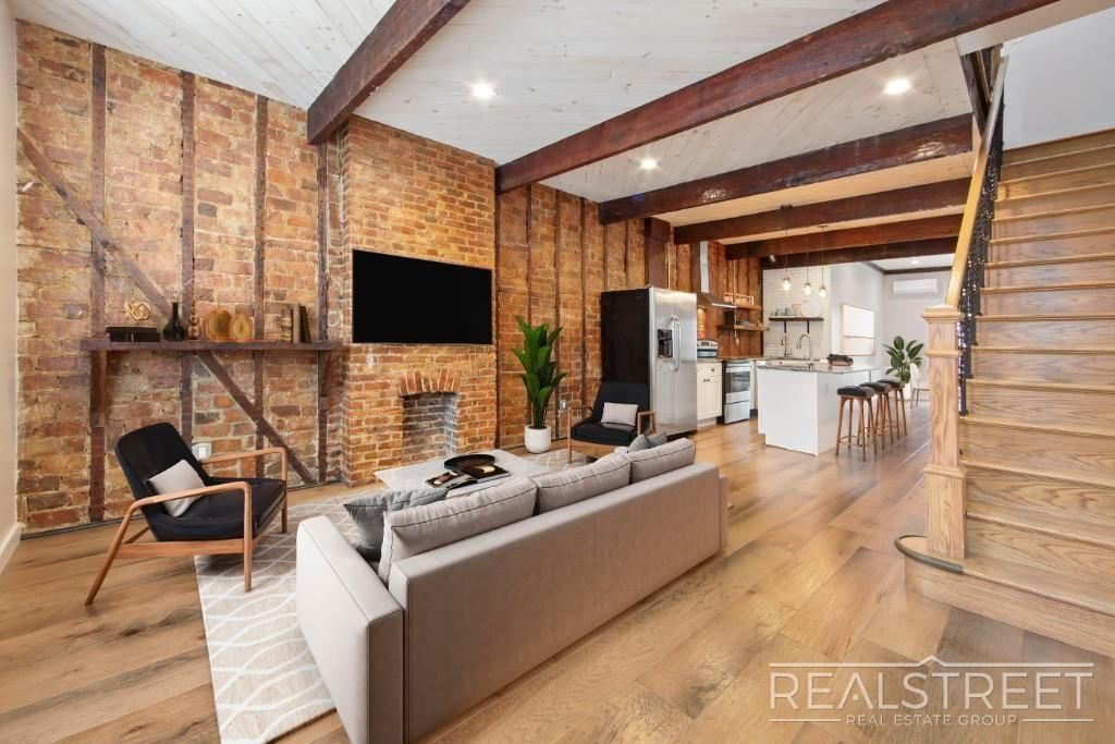 NYC apartments for $ 900k - weekville