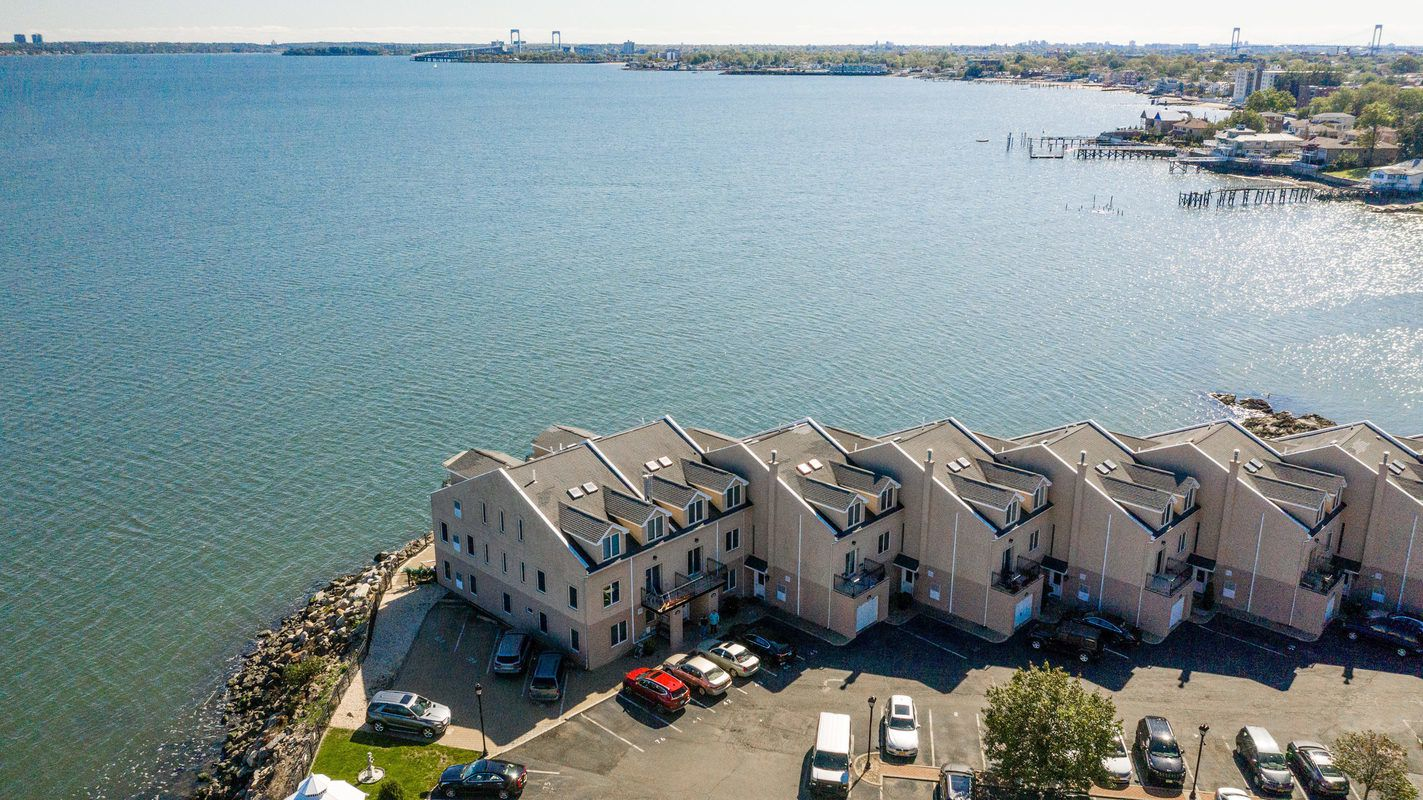 Condos on the waterfront in Country Club, Bronx