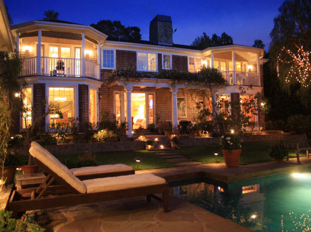 Photo: house/residence of the cool beautiful nice  5 million earning Los Angeles, California, United States-resident