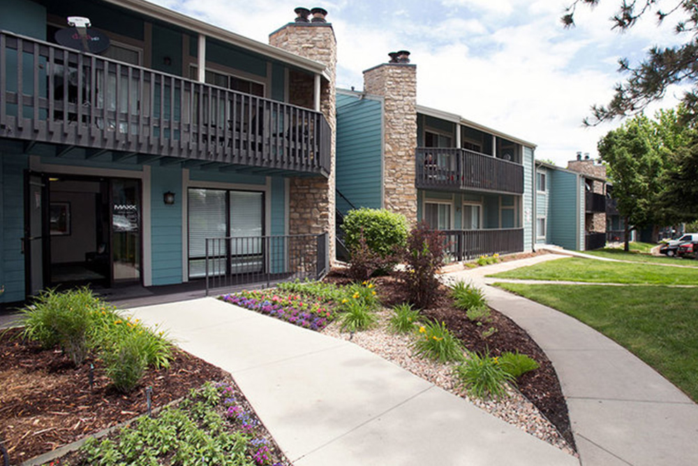 apartments for rent under 1000 aurora co