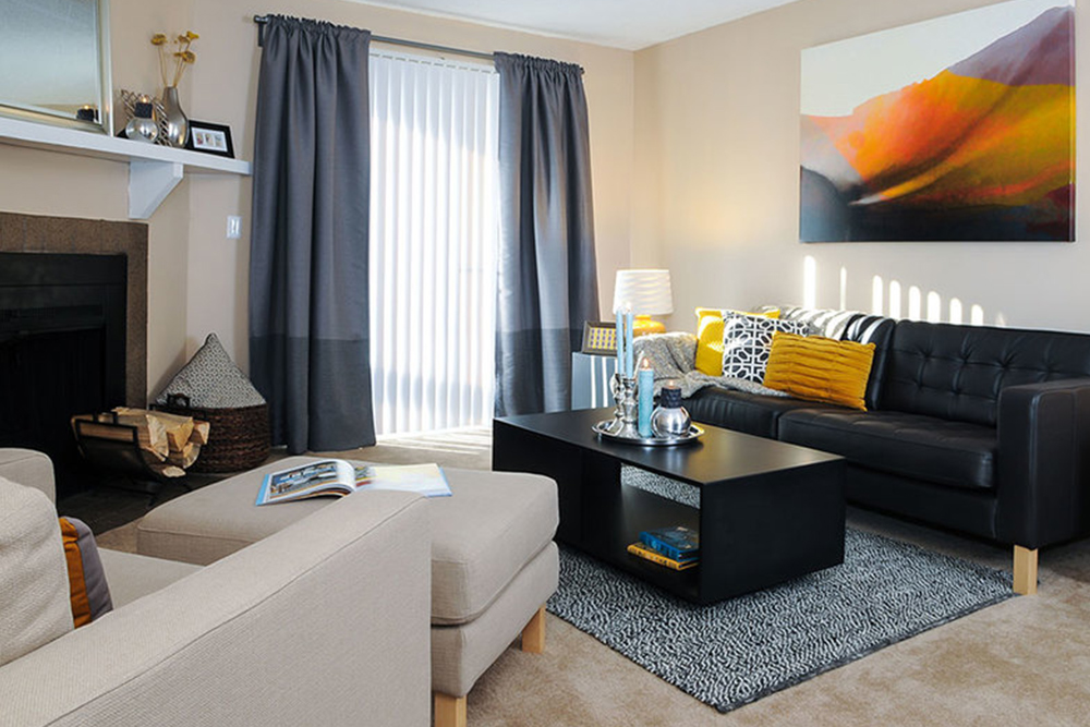 apartments for rent under 1000 aurora co living room