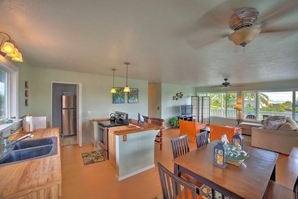 affordable hawaii real estate in pahoa kitchen
