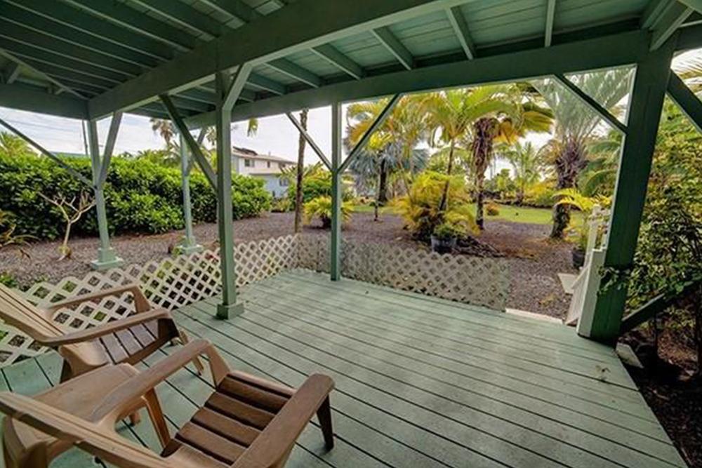 affordable hawaii real estate in pahoa backyard