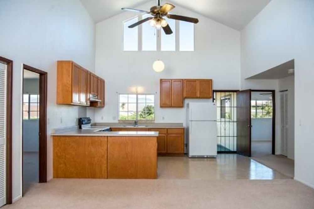 affordable hawaii real estate in waikoloa kitchen