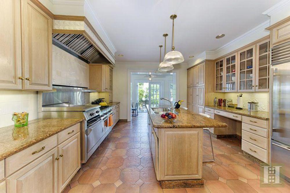 Mark Ruffalo Sells House In Brooklyn Kitchen