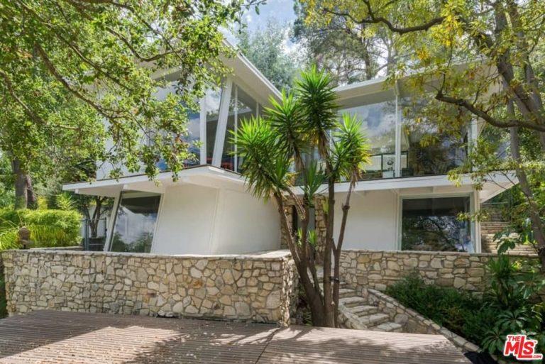 Ellen Pompeo lists Hollywood Hills home exterior