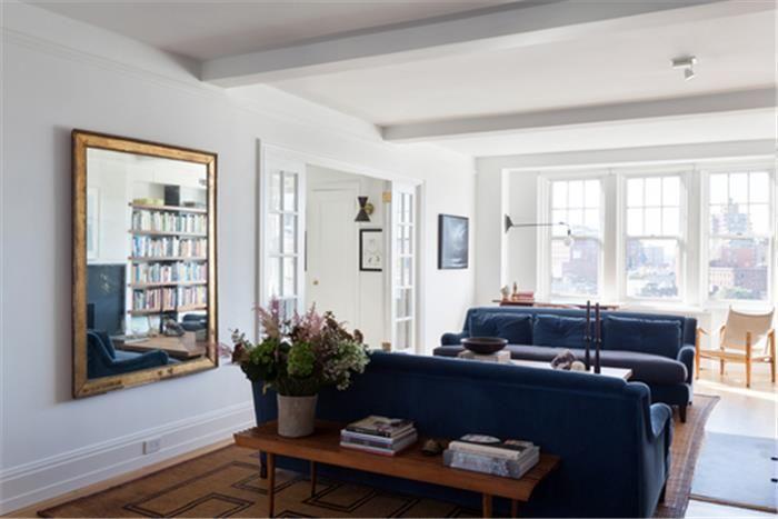 Seth Meyers lists his manhattan home main room
