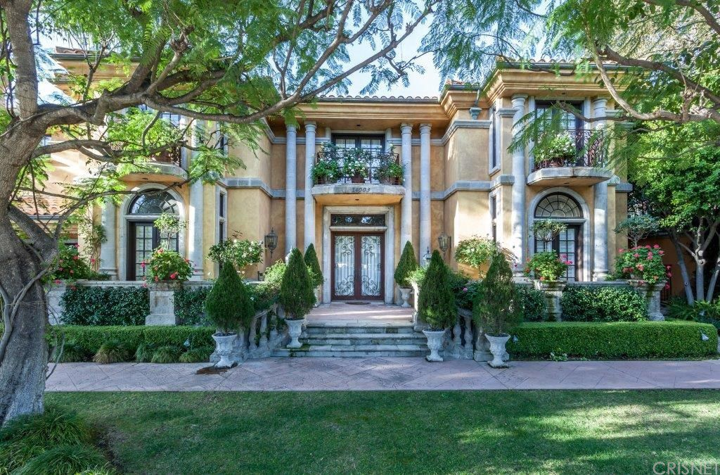 charlie sheen lists his beverly hills home for $9.9m exterior front