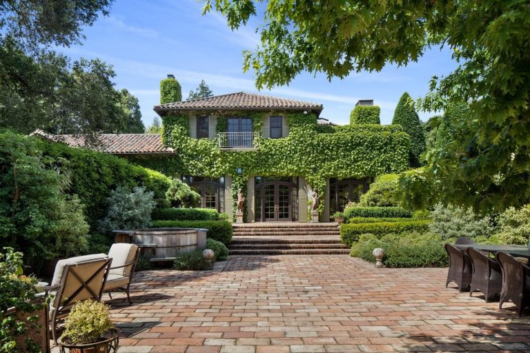 michelle pfeiffer lists her woodside home for 29.5m cover